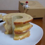 石屋製菓『プレミアムバウム TSUMUGI』