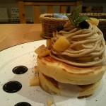 Cafe ココノハ『モンブランクリームとバニラアイスのパンケーキ』