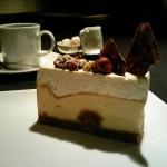 パティスリィ ドゥ・ボン・クーフゥ『カマンベール・マスカルポーネクリーム 2層のチーズケーキ』『シューキャラメル・ショコラタルト』