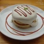 PANCAKE DAYs『メープルクリームパンケーキ』『キャラメリゼチョコバナナ』