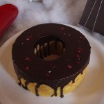 フランス菓子工房 ラ・ファミーユ『黄金バウムクーヘン(チョココーティング)』