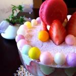 Cafe 中野屋『苺とイチゴのソルベ、ストロベリーマルメラータとシチリア産ピスタチオムースのいちごづくしパフェ 裏フレジェ風』