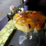 Cafe 中野屋『河内晩柑の軽いマリネ、揺蕩うヴィネガーフラワーゼリーとクランブル入りレアチーズムースのパフェ』