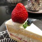 プティ サパン『苺のショートケーキ』『タルト・フロマージュ・ヒュッゲ』